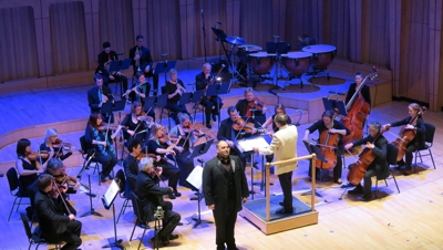 Photo: The Welsh Sinfonia and Wynne Evans